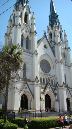 Cathédrale Saint-Jean-Baptiste : Cathedral of St. John the Baptist  |  222 East Harris Street, Savannah, GA 31401