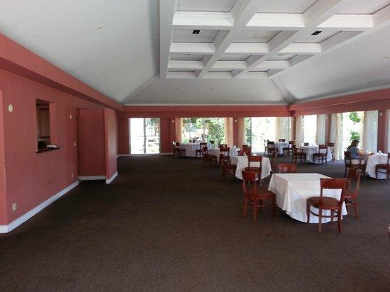 Treasure Isle Hotel: Dining Room