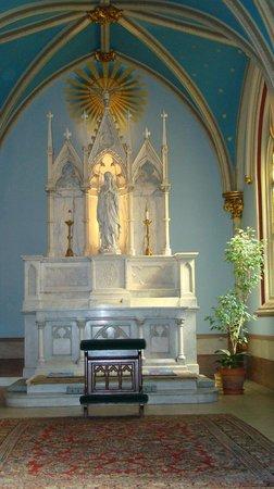 Cathedral of St. John the Baptist (Johannes-der-Täufer-Kathedrale): Cathedral of St. John the Baptist  |  222 East Harris Street, Savannah, GA 31401