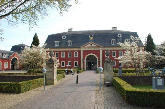 Chateau St. Gerlach : Bijgebouw met de luxekamers