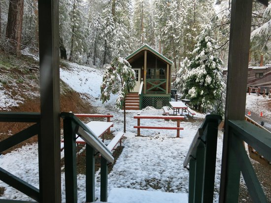 Yosemite West / Mariposa KOA: The same cabin across the way - it snowed!