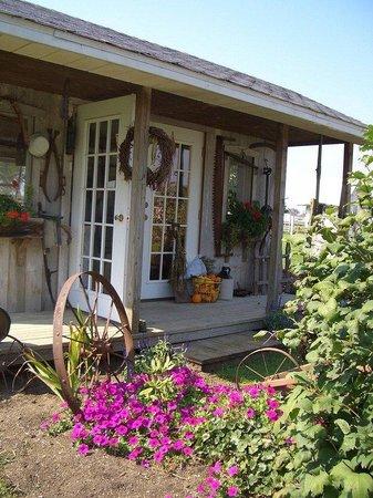 Best Western Plus Howe Inn: Amish Country