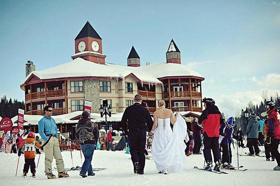 Polaris Lodge is the perfect honeymoon property