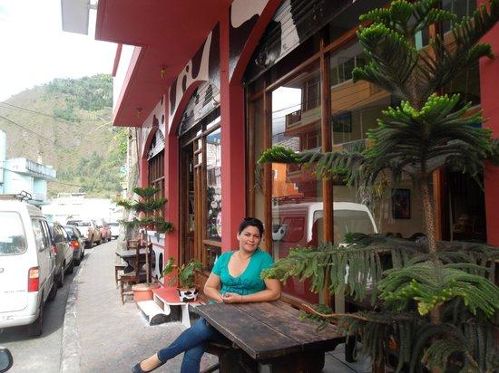 Swiss Bistro Banos : Exterior del restaurante en Baños de Ambato..