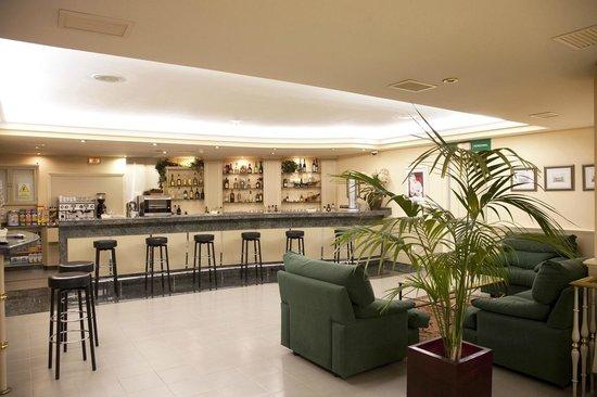 Motel Jardin: Barra de cafetería