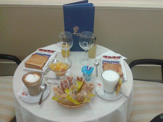 Motel Jardin: Desayuno incluido