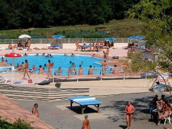 Centre de Vacances Naturiste Le Colombier : Colombier Pool