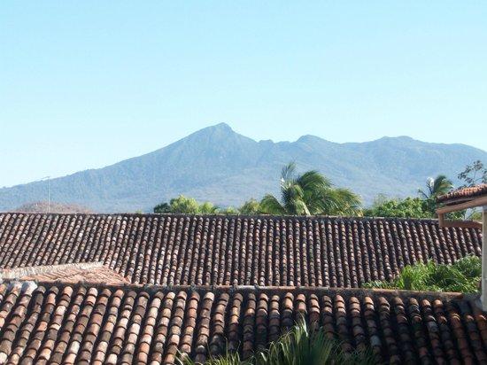 Hotel Patio del Malinche: vista del volcán desde una de las habitaciones del hotel