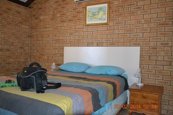 Ningaloo Lighthouse Caravan Park: Główna sypialnia