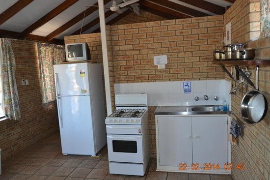 Ningaloo Lighthouse Caravan Park: Kuchnia
