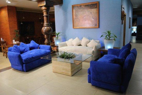 El Araucano: Lobby Restauran y Bar