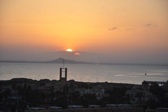 Hotel Entremares: puesta de sol en la mar menor