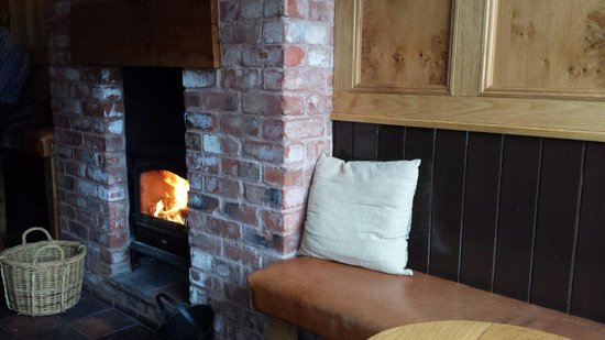The Mere Inn : Roaring fires and warm welcomes