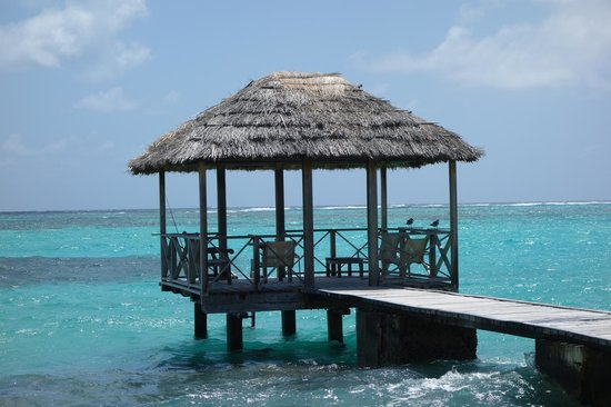 Petit St. Vincent Resort: dock on the East Beach side