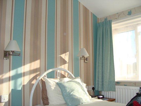 The Waverley: My lovely sunny room.