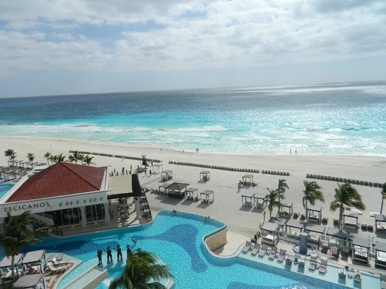Hyatt Zilara Cancun: View from the balcony in room 625