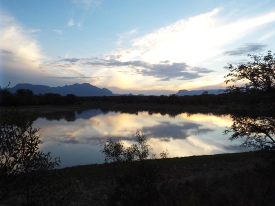 Vuyani Safari Lodge: wonderful sunsets