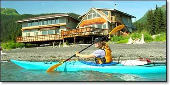 Alaska Saltwater Lodge: Kayaking