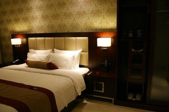 The Acacia Hotel & Spa Goa: Comfortable Bed