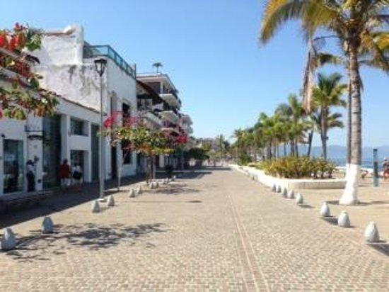 Costa Sur Resort & Spa: Malecon view_2