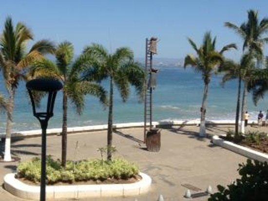 Costa Sur Resort & Spa: Malecon view_1