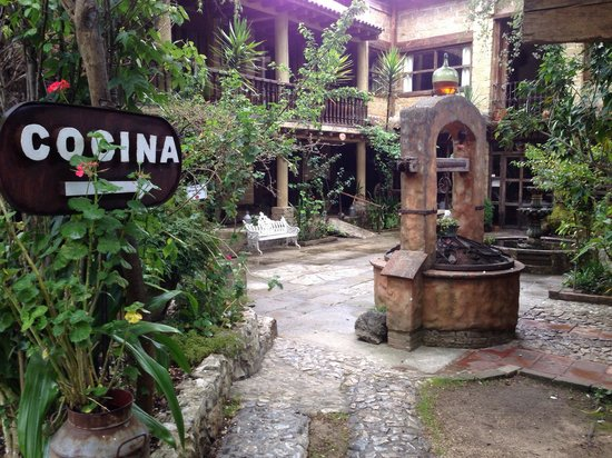 Hacienda Don Juan Hotel: Innenhof
