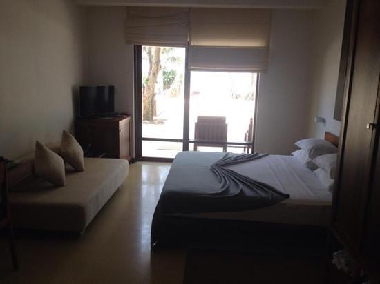 Pandanus Beach Resort & Spa: room