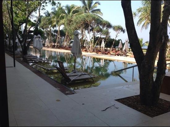 Pandanus Beach Resort & Spa: pool