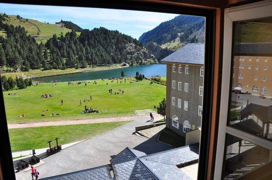 Hotel Husa Vall De Nuria: vista del lago