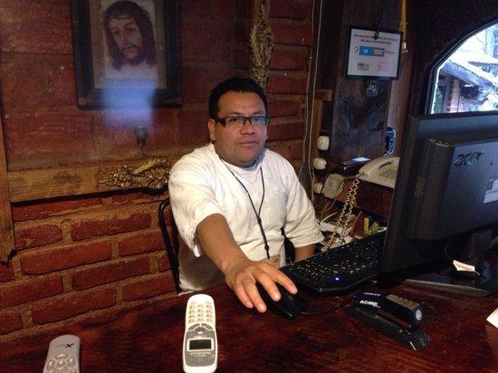 Hacienda Don Juan Hotel : freundliche Helfer a d Rezeption