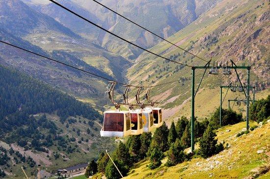 Hotel Husa Vall De Nuria : vista del valle