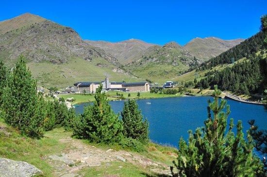 Hotel Husa Vall De Nuria : lago y vall de Nuria