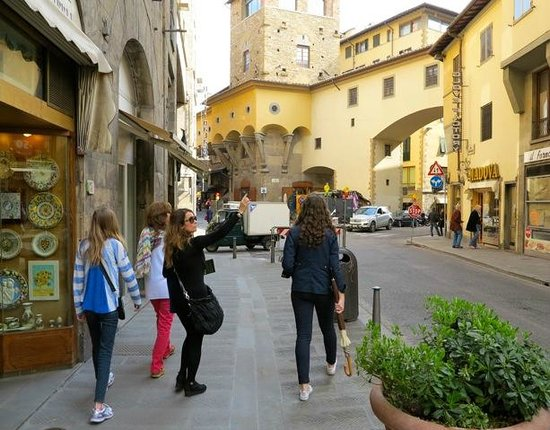 Florence Connection : On the move as Heliana tells us about the sights