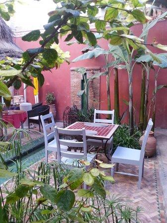 Dar Dayana : patio