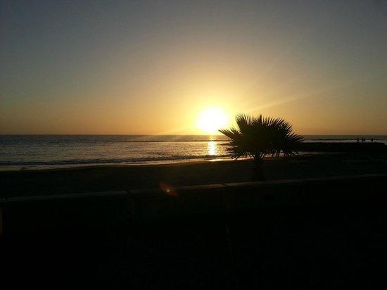 Pueblo Torviscas : The sun setting