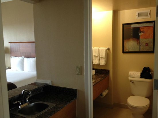 Doubletree Hotel Tallahassee: Deluxe King Room