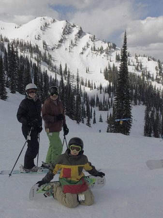 Fernie Alpine Resort: Family at the top of Timber Bowl Express