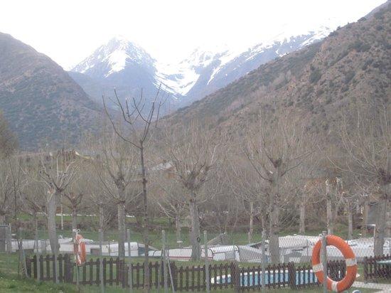Nou Camping - Bungalows: Vista desde el camping
