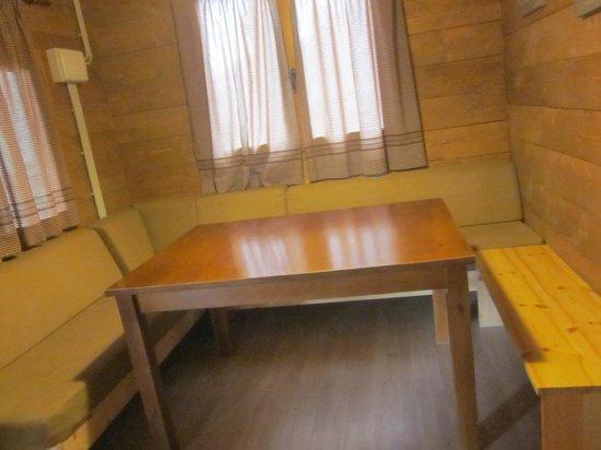 Nou Camping: Vista zona comedor