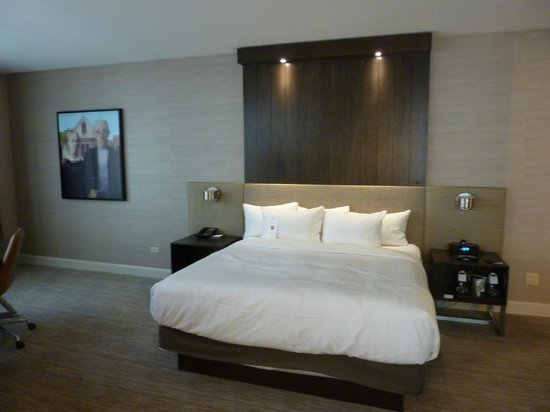 Hyatt Chicago Magnificent Mile : Corner King Suite