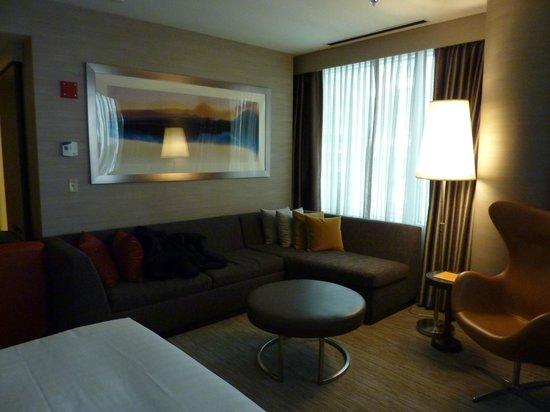 Hyatt Chicago Magnificent Mile: Corner King Suite
