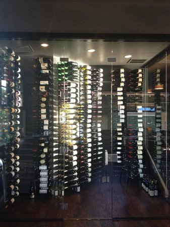 The Wine Palette: Glass wine room