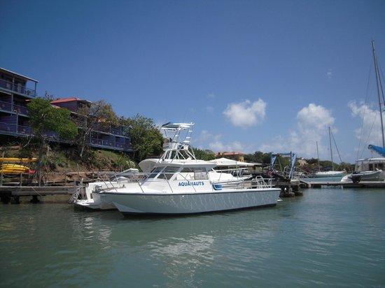 Aquanauts Grenada : Aquanauts dive boat