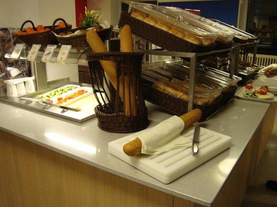 Ibis Amsterdam Centre: Breakfast area
