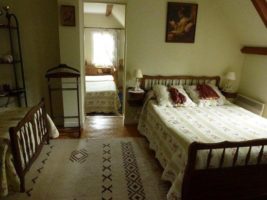 Villa Garnier : chambre communiquante dit familiale