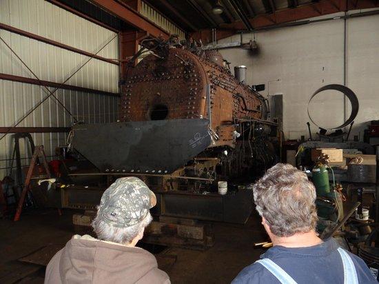 Heber Valley Railroad: seeing engine repair before ride