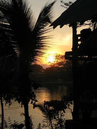 Cabinas Jimenez: Another tropical sunrise
