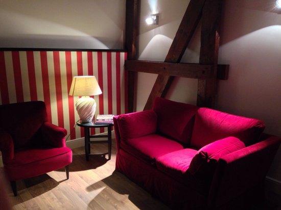 Sandton Grand Hotel Reylof: Deluxe room sitting area