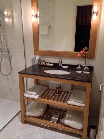 Sandton Grand Hotel Reylof: Nice bathroom