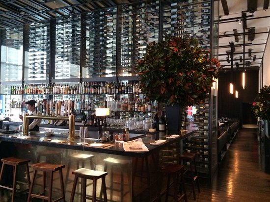 Colicchio & Sons Tap Room : Bar in the Tap Room